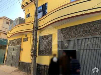 ورسک روڈ پشاور میں 8 کمروں کا 6 مرلہ مکان 40 ہزار میں کرایہ پر دستیاب ہے۔