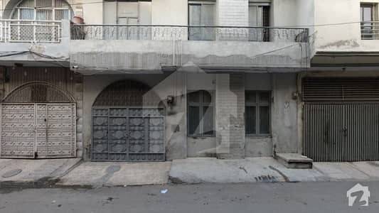 علامہ اقبال ٹاؤن ۔ کشمیر بلاک علامہ اقبال ٹاؤن لاہور میں 4 مرلہ مکان 1.1 کروڑ میں برائے فروخت۔