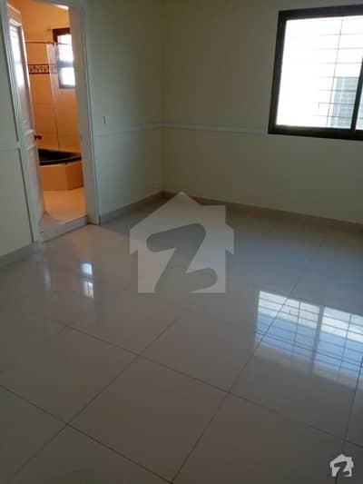 ڈی ایچ اے فیز 7 ڈی ایچ اے کراچی میں 4 کمروں کا 12 مرلہ مکان 5.9 کروڑ میں برائے فروخت۔