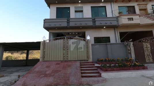آئی ۔ 10/4 آئی ۔ 10 اسلام آباد میں 6 کمروں کا 5 مرلہ مکان 2.5 کروڑ میں برائے فروخت۔