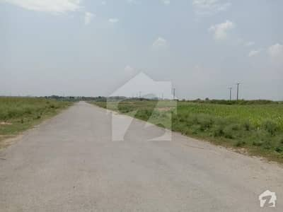 I-15/2 Near By Park 25x50 Level Plot For Sale