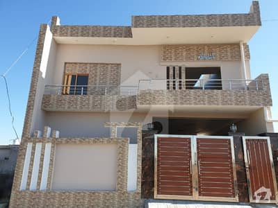 نیو چکوال سٹی - بلاک بی نیو چکوال سٹی چکوال میں 6 کمروں کا 8 مرلہ مکان 1.25 کروڑ میں برائے فروخت۔