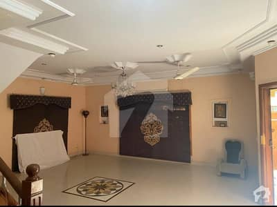 Fully Renovated 300 Yds Bungalow For Rent Dha Phase 4