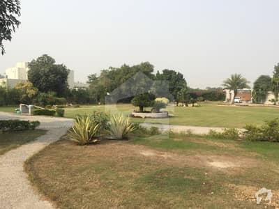بیدیاں روڈ لاہور میں 3 کمروں کا 16 کنال فارم ہاؤس 2.25 لاکھ میں کرایہ پر دستیاب ہے۔