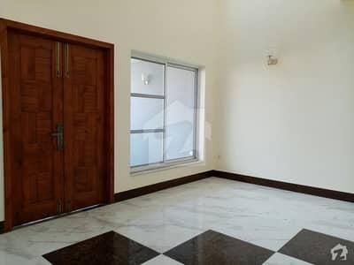 واپڈا سٹی ۔ بلاک ایل واپڈا سٹی فیصل آباد میں 5 مرلہ مکان 1 کروڑ میں برائے فروخت۔