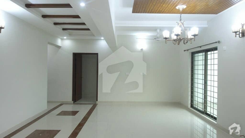 12 Marla 4 Bed Brand New 1st Floor Flat For Sale In Askari 11 Lahore