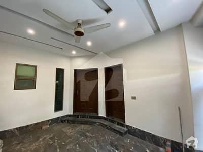 نیو سُپر ٹاؤن لاہور میں 3 کمروں کا 5 مرلہ مکان 1.35 کروڑ میں برائے فروخت۔
