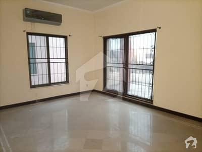 ڈی ایچ اے فیز 3 - بلاک ایکس فیز 3 ڈیفنس (ڈی ایچ اے) لاہور میں 5 کمروں کا 1 کنال مکان 1.2 لاکھ میں کرایہ پر دستیاب ہے۔