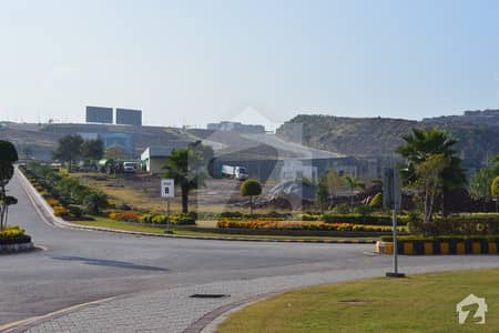 پارک ویو سٹی اسلام آباد میں 3 مرلہ کمرشل پلاٹ 1.65 کروڑ میں برائے فروخت۔