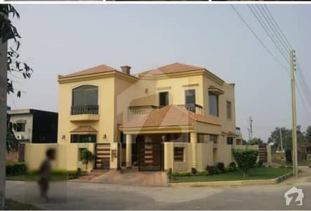 10 Marla Corner Brand New House Available For Rent