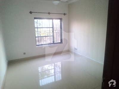 جی ۔ 8 اسلام آباد میں 4 کمروں کا 67.5 کنال مکان 1 لاکھ میں کرایہ پر دستیاب ہے۔