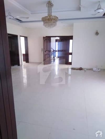 D124 Out Class Location New Upper Portion For Rent