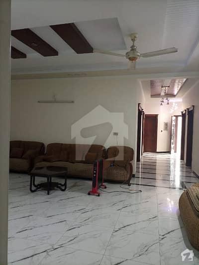 ایف ۔ 11 اسلام آباد میں 6 کمروں کا 16 مرلہ مکان 7.3 کروڑ میں برائے فروخت۔