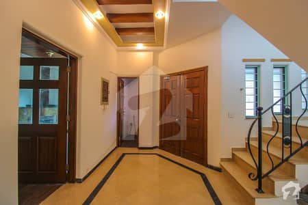10 Marla Well Mentioned House For Rent IN DHA Phase 4
