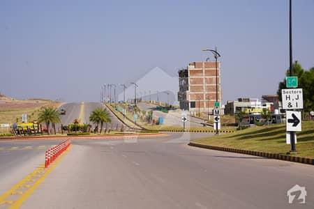 Sector F1 5 Marla Backopen Boulevard Plot For Sale