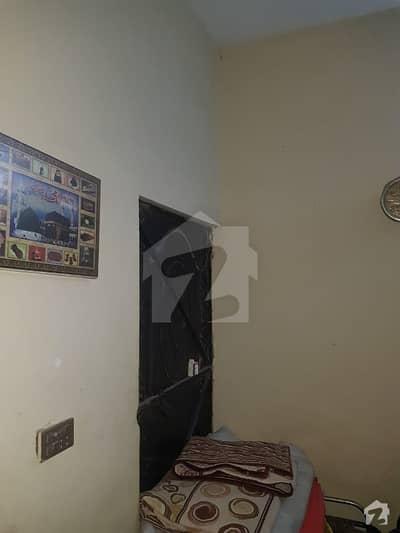 ماڈل ٹاؤن ۔ بلاک ایم ماڈل ٹاؤن لاہور میں 2 کمروں کا 1 مرلہ فلیٹ 13 ہزار میں کرایہ پر دستیاب ہے۔