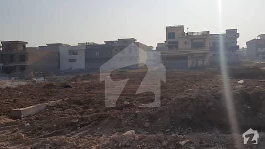 8 Marla Second To Corner Plot For  Sale In Jinnah Garden