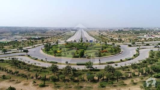 Commercial Plot For Sale 40x60 Business Park Gulberg Greens Islamabad