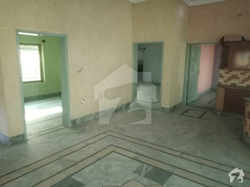 صافایرولاز اڈیالہ روڈ راولپنڈی میں 3 کمروں کا 10 مرلہ مکان 70 لاکھ میں برائے فروخت۔