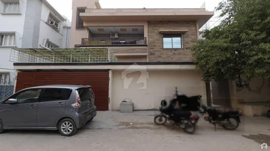 پی ای سی ایچ ایس بلاک 2 پی ای سی ایچ ایس جمشید ٹاؤن کراچی میں 4 کمروں کا 16 مرلہ زیریں پورشن 3.7 کروڑ میں برائے فروخت۔