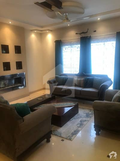 1 Kanal Fully Furnished Beautiful House Near To Park