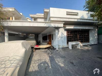 ڈی ایچ اے فیز 7 ڈی ایچ اے کراچی میں 4 کمروں کا 1 کنال مکان 8.7 کروڑ میں برائے فروخت۔
