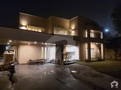 ایف ۔ 11/3 ایف ۔ 11 اسلام آباد میں 5 کمروں کا 2 کنال مکان 20 کروڑ میں برائے فروخت۔