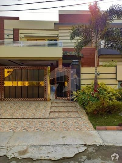 ریوینیو سوسائٹی لاہور میں 5 کمروں کا 1 کنال مکان 4.5 کروڑ میں برائے فروخت۔