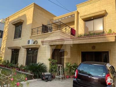 ڈی ایچ اے فیز 7 ڈی ایچ اے کراچی میں 4 کمروں کا 1 کنال مکان 7 کروڑ میں برائے فروخت۔