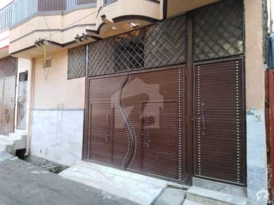 ورسک روڈ پشاور میں 6 کمروں کا 5 مرلہ مکان 35 ہزار میں کرایہ پر دستیاب ہے۔