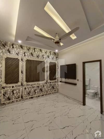 کینال بینک ہاؤسنگ سکیم لاہور میں 3 کمروں کا 5 مرلہ مکان 1.69 کروڑ میں برائے فروخت۔