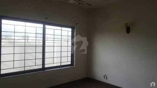 14 Marla Lower Portion Ideally Situated In D-12