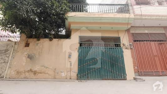 غازی روڈ کینٹ لاہور میں 4 کمروں کا 7 مرلہ مکان 1.2 کروڑ میں برائے فروخت۔
