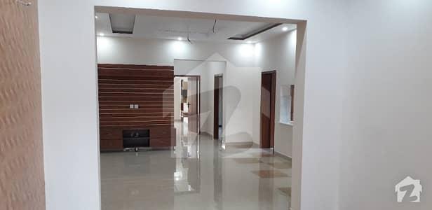 لیک سٹی ۔ سیکٹر ایم ۔ 5 لیک سٹی رائیونڈ روڈ لاہور میں 5 کمروں کا 10 مرلہ مکان 2.3 کروڑ میں برائے فروخت۔