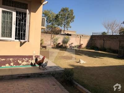 حیات آباد فیز 1 - ڈی1 حیات آباد فیز 1 حیات آباد پشاور میں 5 کمروں کا 2 کنال مکان 9 کروڑ میں برائے فروخت۔
