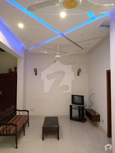 اسٹیٹ لائف فیز 1 - بلاک اے اسٹیٹ لائف ہاؤسنگ فیز 1 اسٹیٹ لائف ہاؤسنگ سوسائٹی لاہور میں 1 کمرے کا 5 مرلہ زیریں پورشن 28 ہزار میں کرایہ پر دستیاب ہے۔