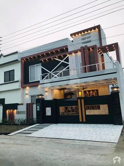 ڈی سی کالونی گوجرانوالہ میں 5 کمروں کا 10 مرلہ مکان 2.6 کروڑ میں برائے فروخت۔
