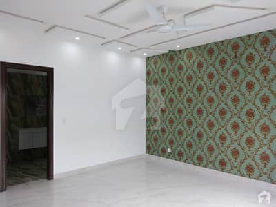 پنجاب کوآپریٹو ہاؤسنگ ۔ بلاک بی پنجاب کوآپریٹو ہاؤسنگ سوسائٹی لاہور میں 5 کمروں کا 1 کنال مکان 4.25 کروڑ میں برائے فروخت۔