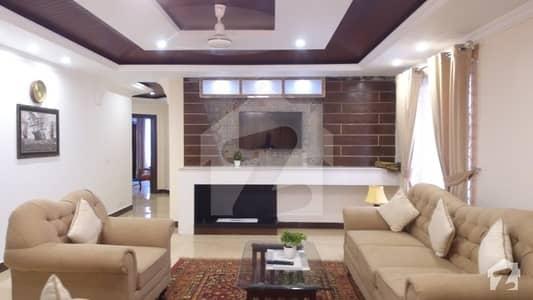 ڈی ایچ اے فیز 8 سابقہ ایئر ایوینیو ڈی ایچ اے فیز 8 ڈی ایچ اے ڈیفینس لاہور میں 3 کمروں کا 9 مرلہ فلیٹ 3.6 لاکھ میں کرایہ پر دستیاب ہے۔
