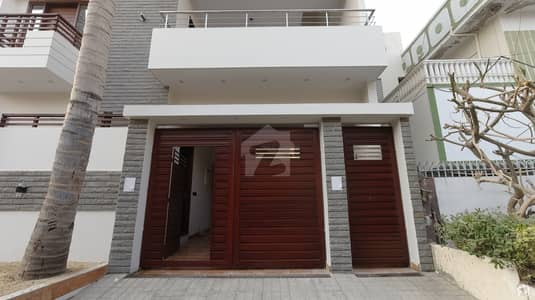 240 Square Yards House In Gulshan-e-Iqbal Town For Sale