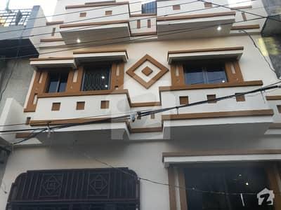 سبزہ زار سکیم لاہور میں 4 کمروں کا 5 مرلہ مکان 1.35 کروڑ میں برائے فروخت۔