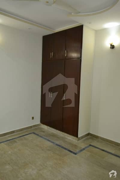 I 9 Markz Flat For Rent Very Good  Location