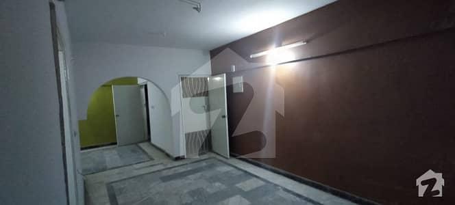 گلستانِ جوہر کراچی میں 3 کمروں کا 6 مرلہ فلیٹ 26 ہزار میں کرایہ پر دستیاب ہے۔