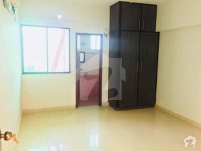 ڈی ایچ اے فیز 6 ڈی ایچ اے کراچی میں 3 کمروں کا 8 مرلہ فلیٹ 2.25 کروڑ میں برائے فروخت۔