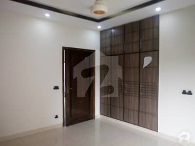 10 Marla Upper Portion For Rent In Beautiful Paragon City