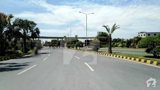 ایف ۔ 11 اسلام آباد میں 7 کمروں کا 1 کنال مکان 26 کروڑ میں برائے فروخت۔