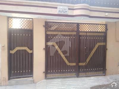 گلبرگ پشاور میں 4 کمروں کا 9 مرلہ مکان 45 ہزار میں کرایہ پر دستیاب ہے۔
