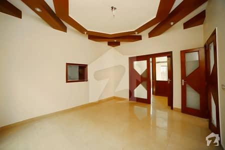 ڈی ایچ اے فیز 4 ڈیفنس (ڈی ایچ اے) لاہور میں 5 کمروں کا 1 کنال مکان 1.65 لاکھ میں کرایہ پر دستیاب ہے۔