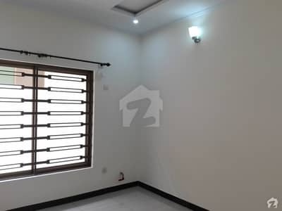 شہزاد ٹاؤن اسلام آباد میں 3 کمروں کا 6 مرلہ مکان 70 ہزار میں کرایہ پر دستیاب ہے۔