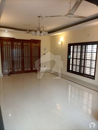 In DHA Defence House For Sale Sized 250 Square Yards
